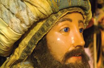 """""""Gaspare, il dono della mirra e un misterioso piano divino"""" – Il Vescovo Raspanti al Presepe Settecentesco"""