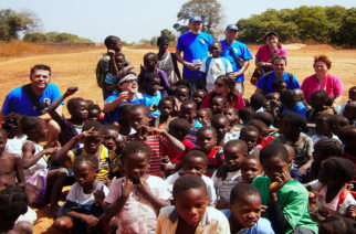 Apericena per aiutare l' Uganda –  Amici delle Missioni
