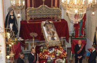 """Il Cristo Morto: """"Amore vero, segno di gratuità"""""""